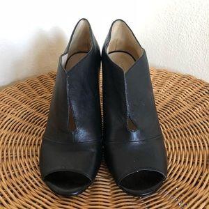Nine West Peep toe shoe-ties!! Perfect for Spring!